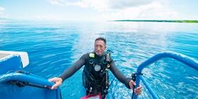 ダイビングエントリーラダー