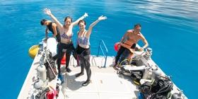 使い勝手重視設計のダイビング船1F
